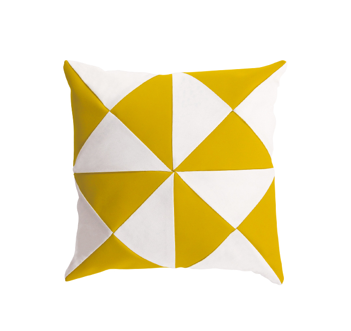 triangle cushion curcuma/white