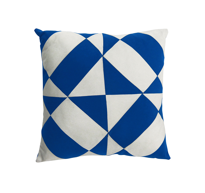 azulejos cushion true blue/white