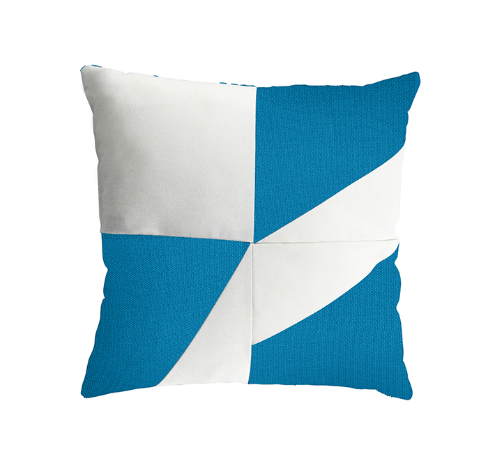 geometric cushion azure/white