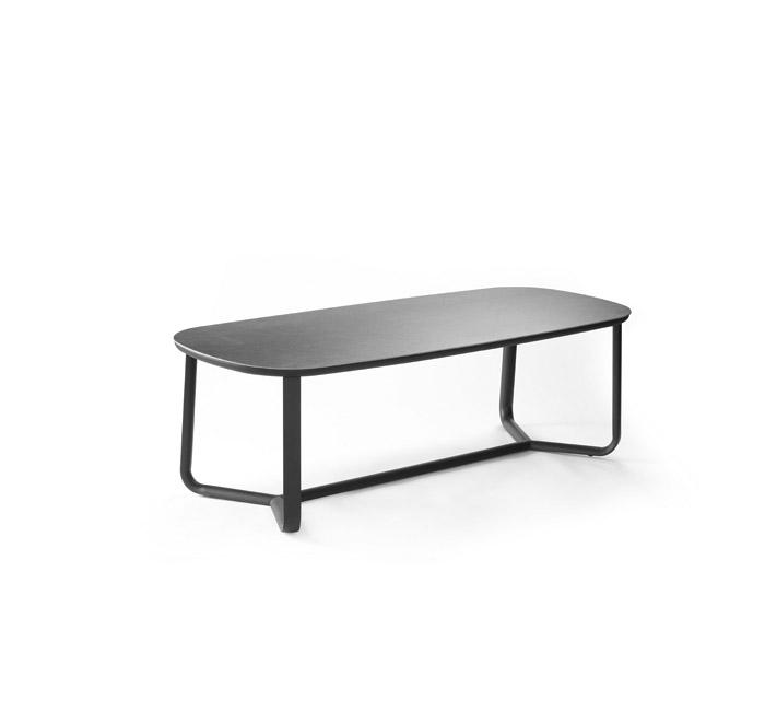 Marumi medium dining table